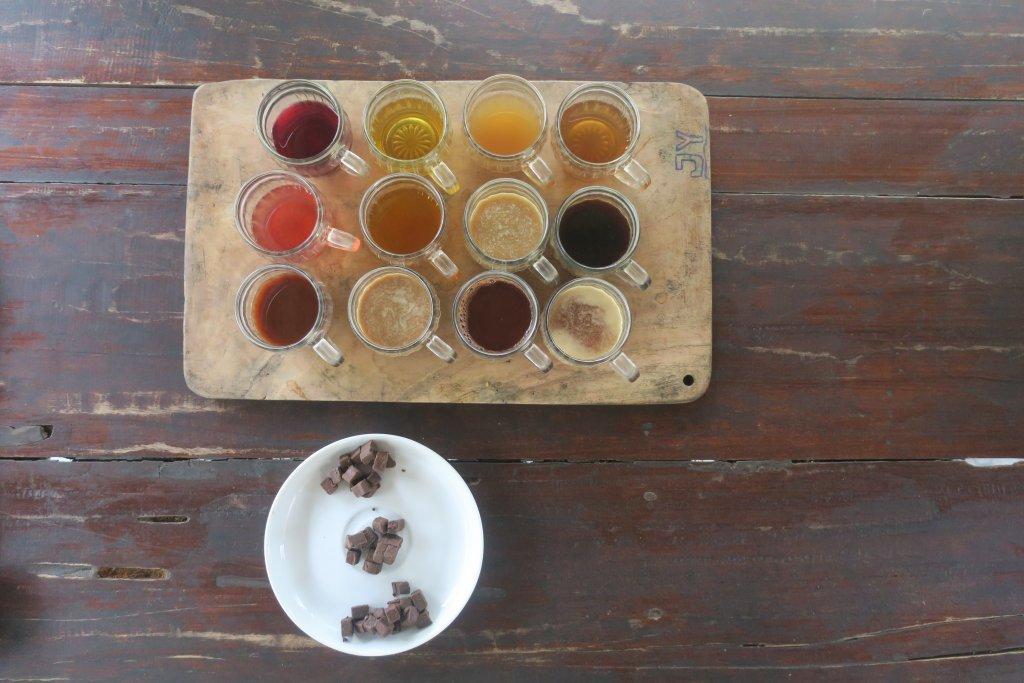 Degustacja herbat oraz kaw na plantacji