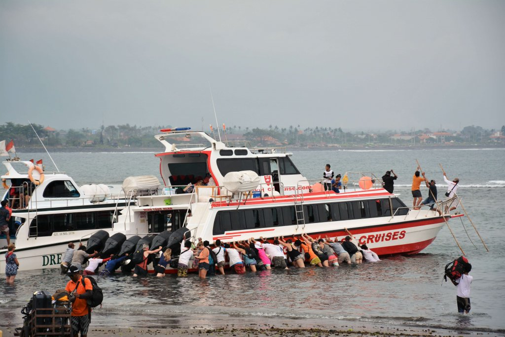 Bali. Port w Sanur.
