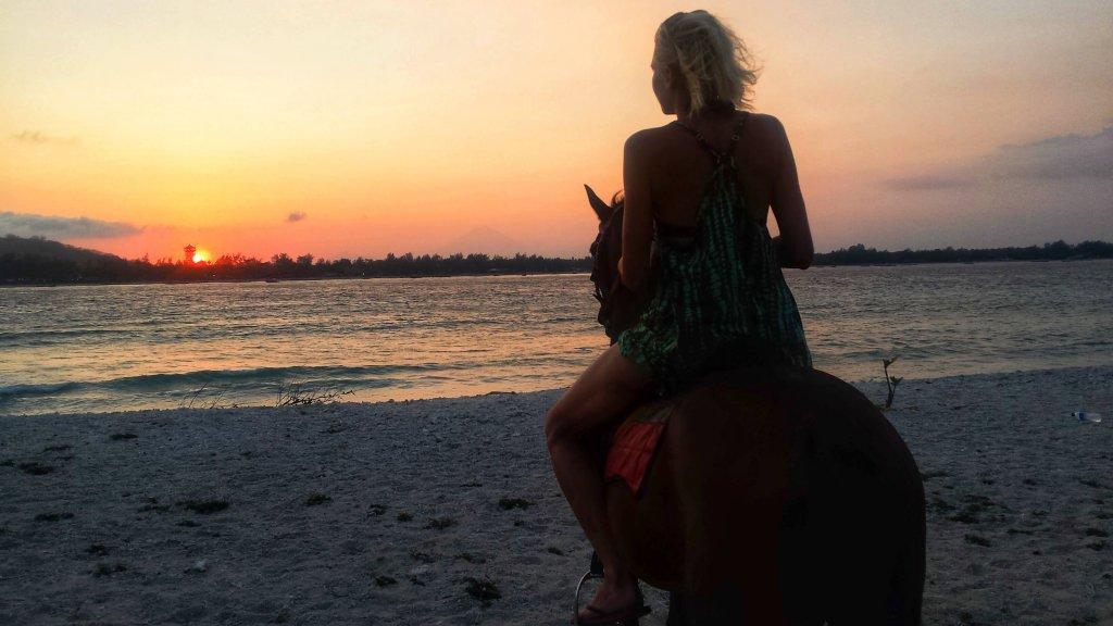 Zachód słońca na Gili Meno