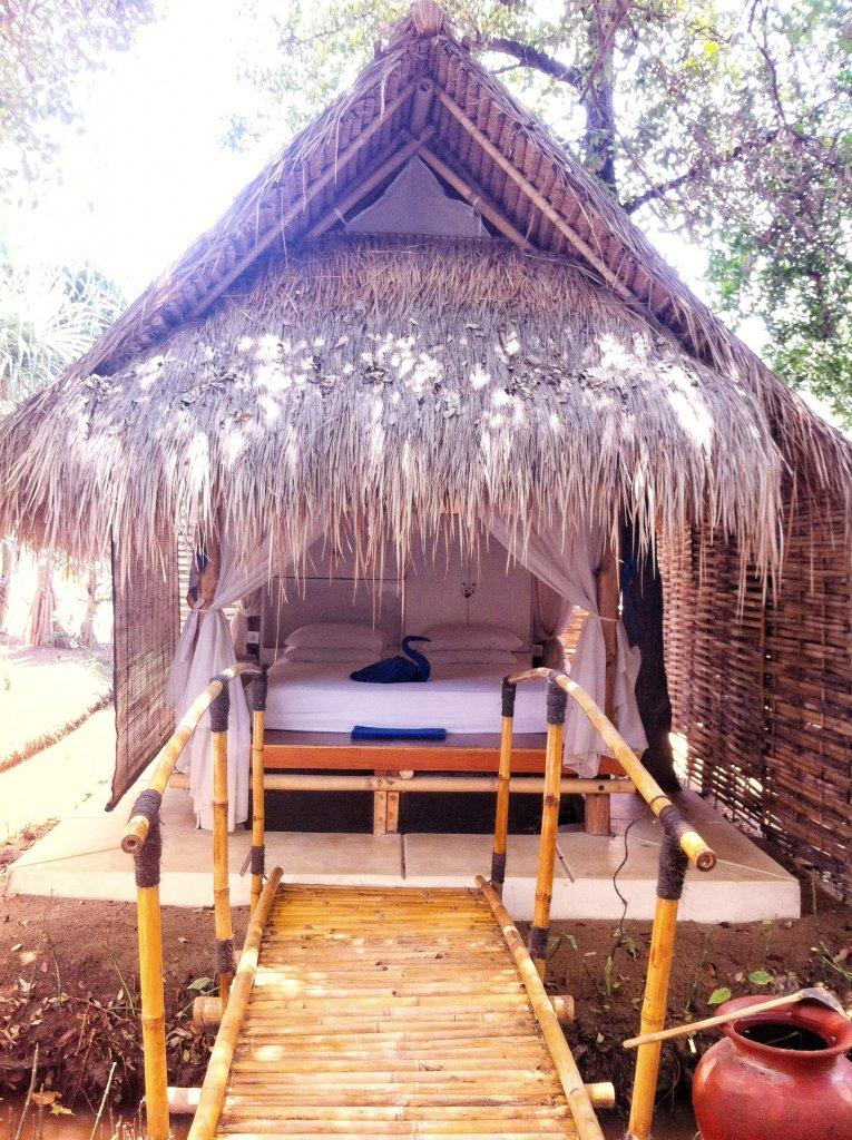 Indonezyjski tradycyjny domek na Gili Meno