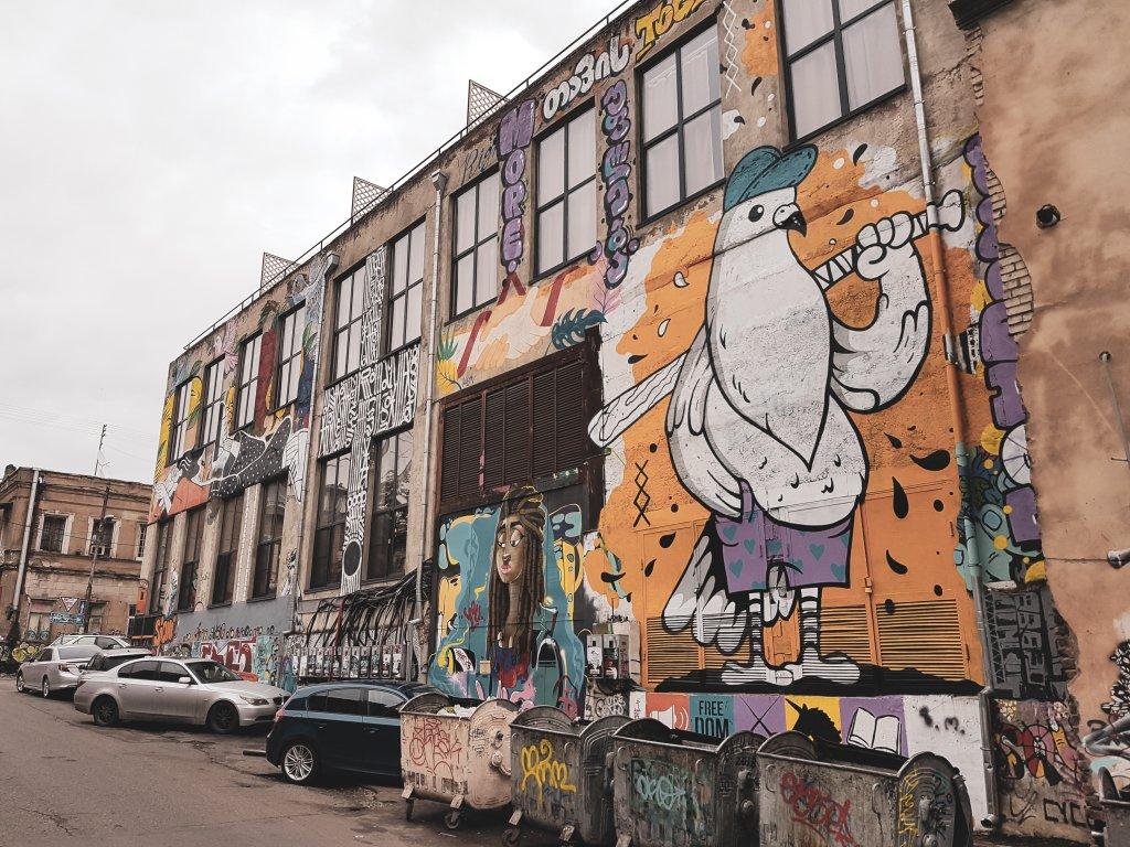 Fabrika - stara szwalnia z Tbilisi.